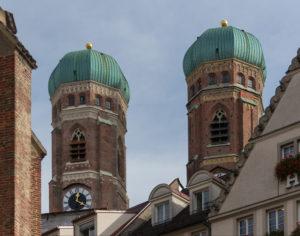 Die Popularklage, durch die ein einzelner Bürger die Einhaltung der Verfassung verlangt, gibt es in dieser Form nur in Bayern.